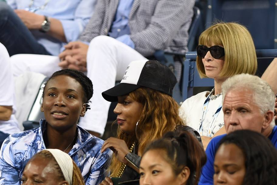 Venus Williams e, dietro, Anna Wintour (Olycom)
