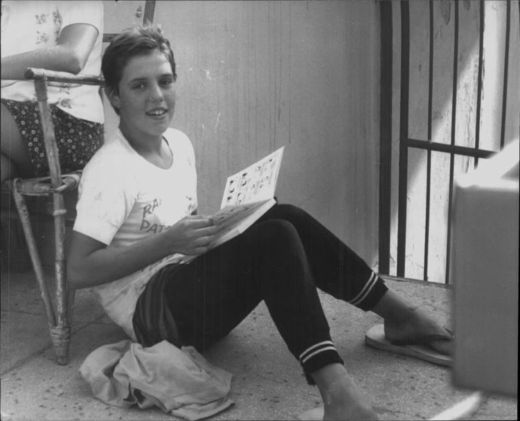 Novella calligaris compie 60 anni la gazzetta dello sport novella durante una pausa degli allenamenti si dedica alla rilassante lettura di un fumetto thecheapjerseys Choice Image
