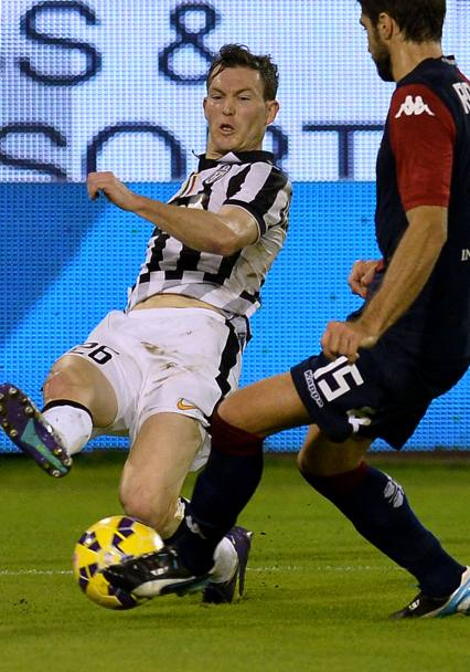 Lichtsteiner al cross. Afp