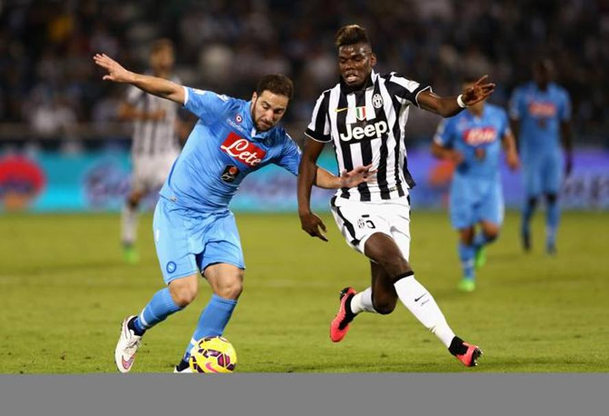 Higuain e Pogba in azione. Getty