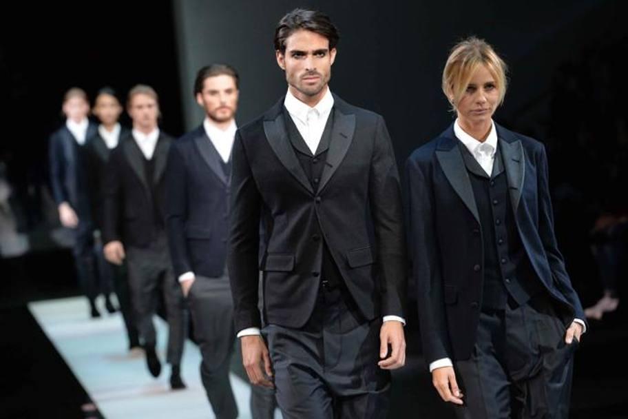 Moda Uomo. In passerella sfila l eleganza di Giorgio Armani. L uomo ... a59ddd4023d