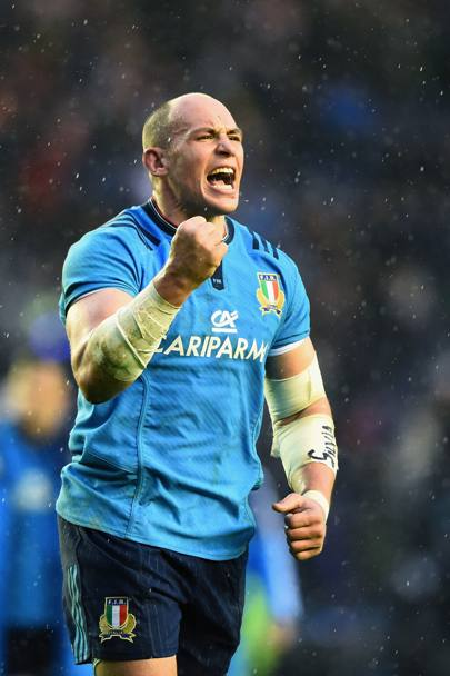 Esultanza di capitan Parisse a fine partita (Getty Images)