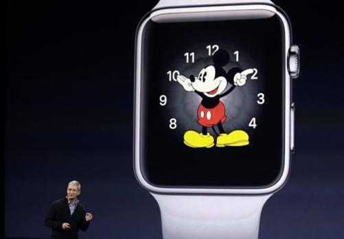Apple alza il velo sul Watch, l'orologio è