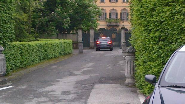 Milan berlusconi ha chiamato mr bee - Giardino di giada milano ...