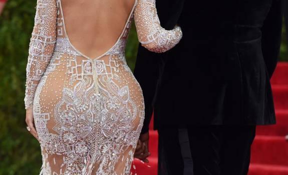 beyonc u00e9  jlo  kim kardashian  nude look al met