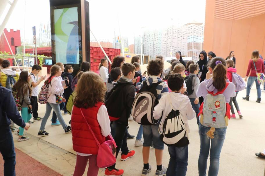 Expo Stand Bambini : Save the children a expo lo slogan nutrire il