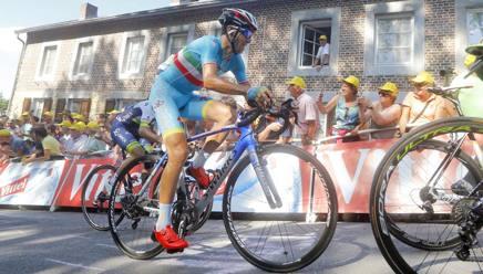 Tour Nibali E Lopzione Cambio Bici Per Il Pavé