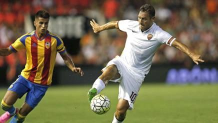 A Valencia è vera Roma: 3-1. Salah, Totti e Gervinho in gol