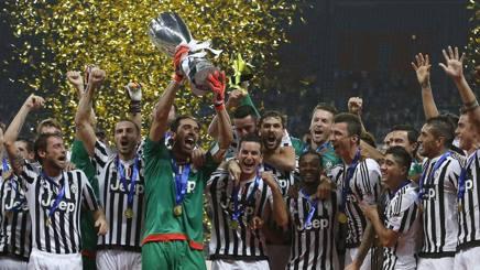 Juventus-Lazio 2-0: Mandzukic-Dybala, Allegri fa festa con i nuovi