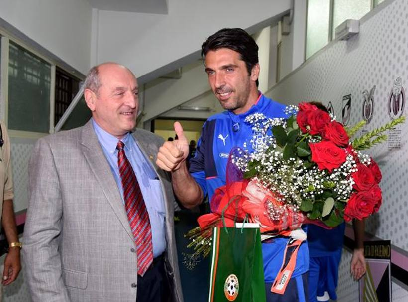 Festa per Gigi Buffon: il portierone azzurro arriva a quota 150 partite in Nazionale. Getty Images