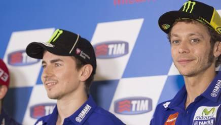 """Lorenzo: """"Rossi non è il più veloce. Ma ci sta dando una lezione"""""""