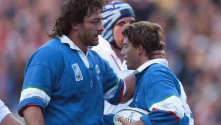Massimo Giovanelli con Diego Dominguez: due pilastri dell'Italia anni Novanta. Epa