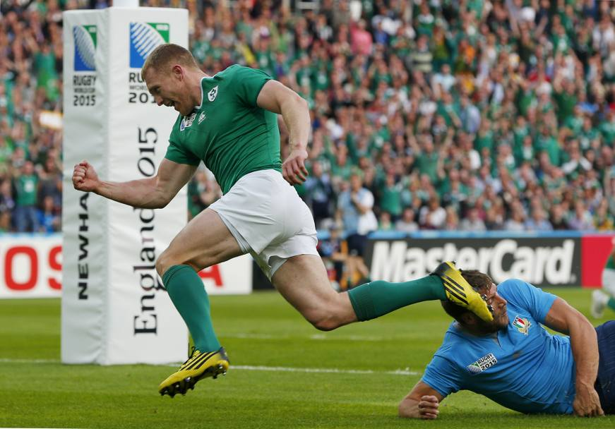 Keith Earls esulta per il gol (Reuters)