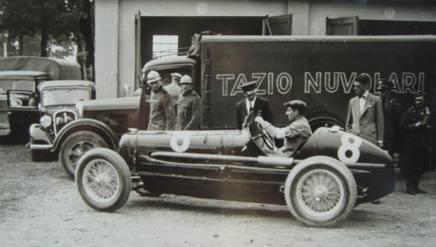 I camion con stampato il nome di Tazio Nuvolari