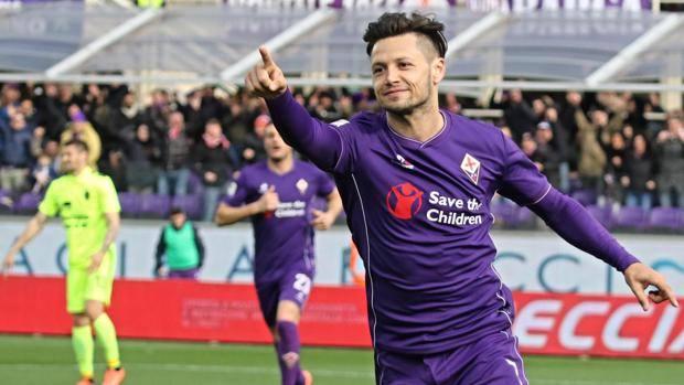 Mauro Zarate firma il momentaneo vantaggio della Fiorentina. Ansa