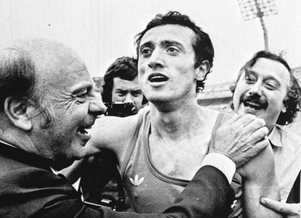 1976: Pietro Menna dopo aver centrato il record del mondo dei 200 mt (19''72) a Città del Messico. Ansa