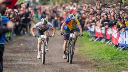 Mountain bike, una Montagnetta mondiale: Schurter beffa Fontana