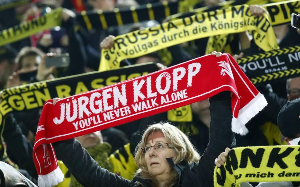 Grande accoglienza da parte dei tifosi del Borussia all'ex Klopp. REUTERS