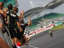 Tom Sykes vince gara 1 a Sepang con la Kawasaki