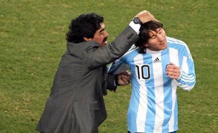 Leo e Diego al Mondiale di Sudafrica 2010. Epa.