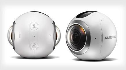 La nuova Samsung Gear 360, consente foto e video panoramiche grazie a due sensori da 15 megapixel che è possibile rivedere sullo smartphone o col visore Gear Vr. Costa 359 euro,