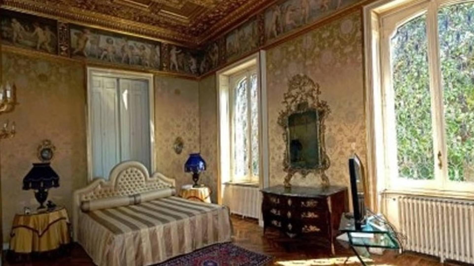 Higuain lusso e sfarzo a torino ecco la sua la for Foto di case antiche