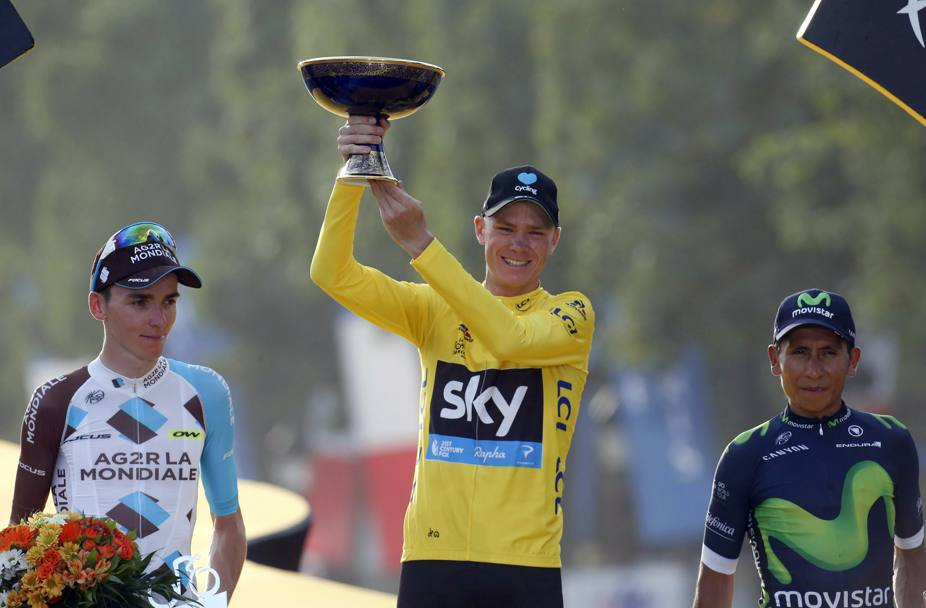 Il podio finale della classifica general. Froome primo, Bardet a 4' 05'', Quintana a 4'21''. Bettini