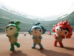 Le mascotte dei Giochi: saranno loro, insieme a una musica sempre diversa, ad accompagnare i medagliati AFP