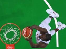 Il canestro di Kevin Durant nella sfida vinta contro la Francia. Afp