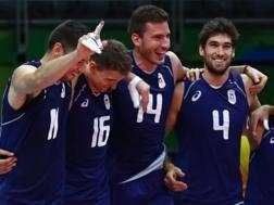 La festa dell'Italia dopo la vittoria nei quarti sull'Iran. Reuters