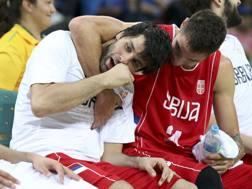 La festa di Milos Teodosic e Stefan Jovic. Reuters