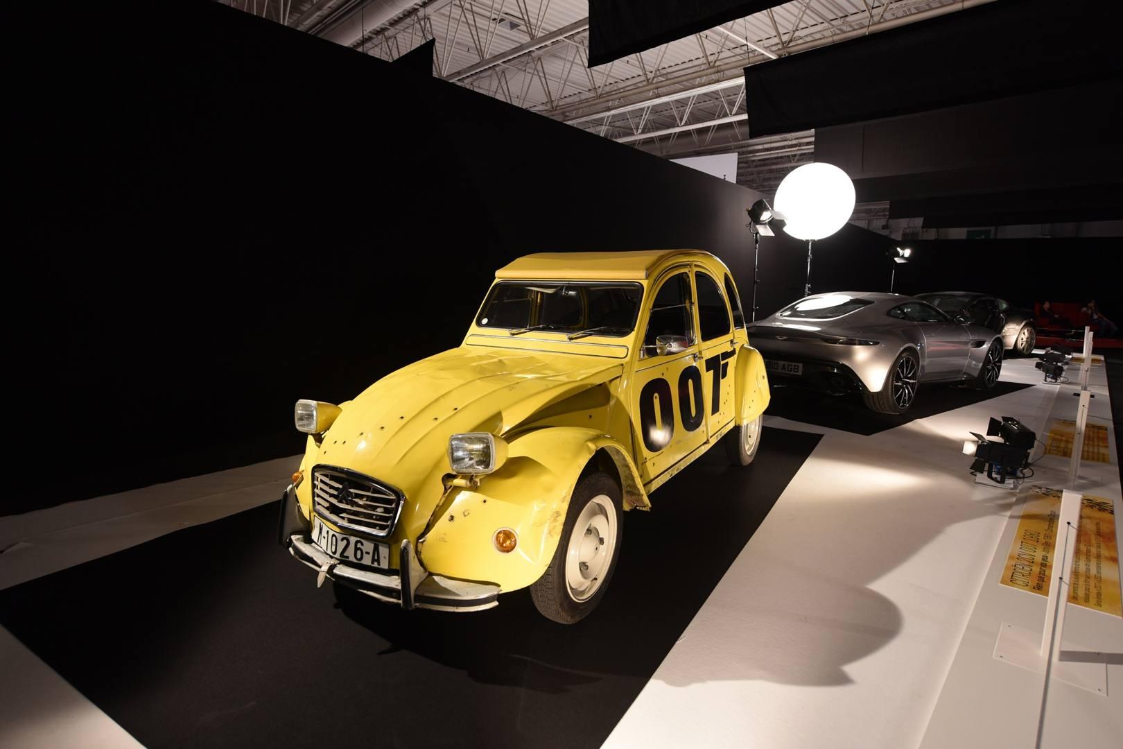 Ciak si gira con le auto dive al salone di parigi la for Salone mobile parigi