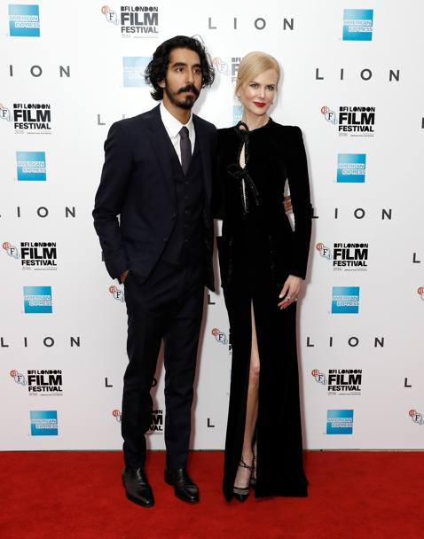 Con l'attore indiano Dev Patel. Getty Images