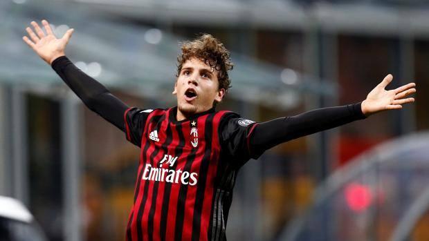Manuel Locatelli, 18 anni, centrocampista del Milan. Reuters