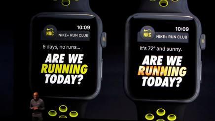 L'Apple Watch Series 2 nella versione Nike+,  arriva in Italia dal 28 ottobre, costa da 439 a 469 euro (Reuters)