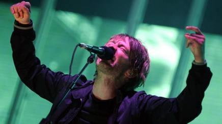 Thom Yorke , cantante e chitarra dei Radiohead. Ansa