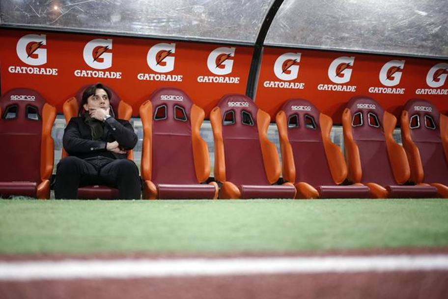 Vincenzo Montella in panchina.