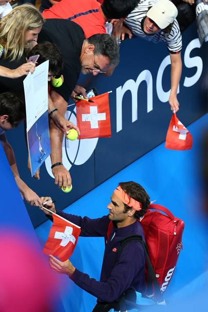 Federer si dedica ai tifosi. Getty Images