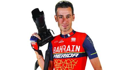 Vincenzo Nibali, 32 anni, con la nuova maglia Bahrain-Merida. Bettini