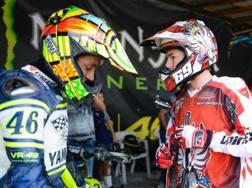 Rossi con Nicky Hayden in uno degli ultimi momenti insieme