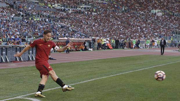 10141c8404 Roma-Genoa 3-2: Perotti fa la festa a Totti.