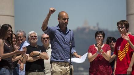 Josep Guardiola durante la manifestazione pro-referendum a Barcellona nel cuore della zona di Montjuic. Foto: AP.