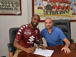 La firma di Nicolas N'Koulou.