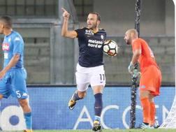 Pazzini esulta (con polemica) dopo il rigore segnato al Napoli.