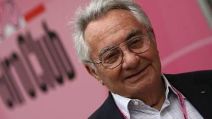 Candido Cannavò, direttore della Gazzetta dal 1983 al 2002. Omega