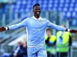 Keita, 22 anni, con la maglia della Lazio.