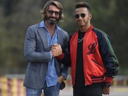 Giovanni Castiglioni, presidente di MV Agusta, con Lewis Hamilton