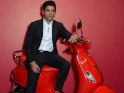 Fahran Akhtar con la Vespa (RED)