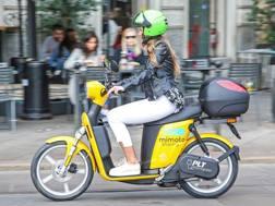 Gli scooter elettrici della neonata MiMoto pronti a girare a Milano
