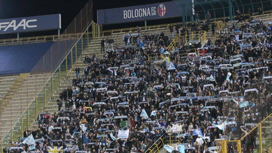 Bologna-Lazio, ultrà biancocelesti intonano cori